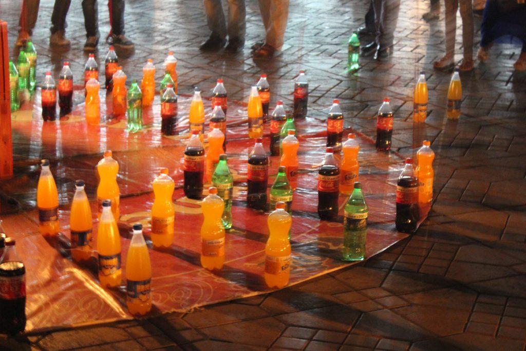 Gioco della bottiglia a Marrakech