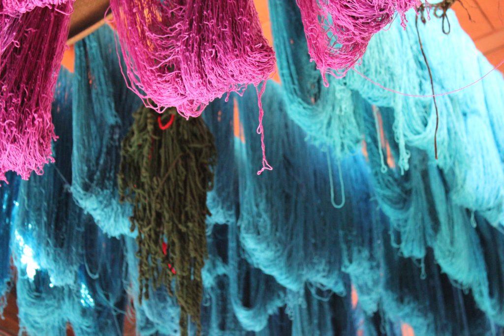 Nel souk dei tessuti di Marrakech