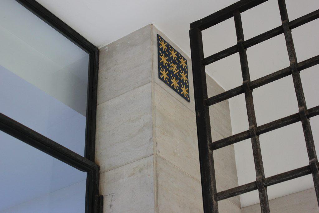 Le stelle del mausoleo di Galla Placidia riproposte da Invader