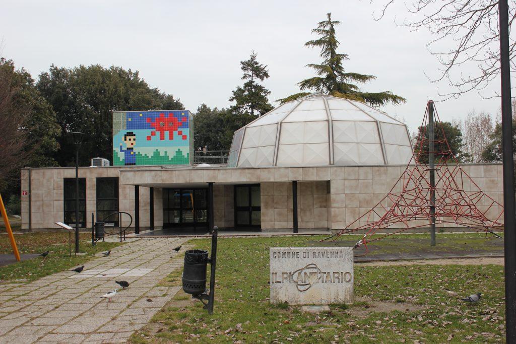 Opera di Invader al Planetario di Ravenna